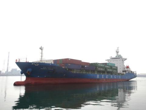 国際コンテナ船