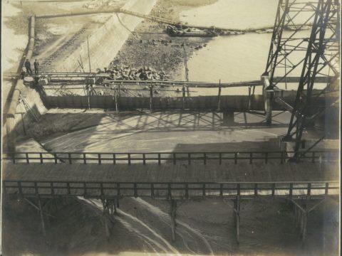 昭和3年3月20日 内港繋船裏埋立工事