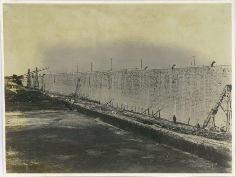 明治40年頃 石垣築造竣工の繁船壁