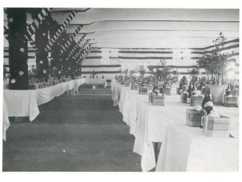 三池開港式宴会場の一部