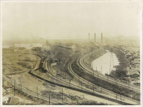 旧三川発電所及船梁と構内線路