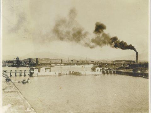明治45年以前 三池港閘門及船梁