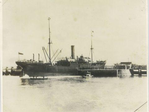 明治41年10月 ベナーボン号閘門通過