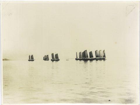 明治38年頃 帆走中の運炭船